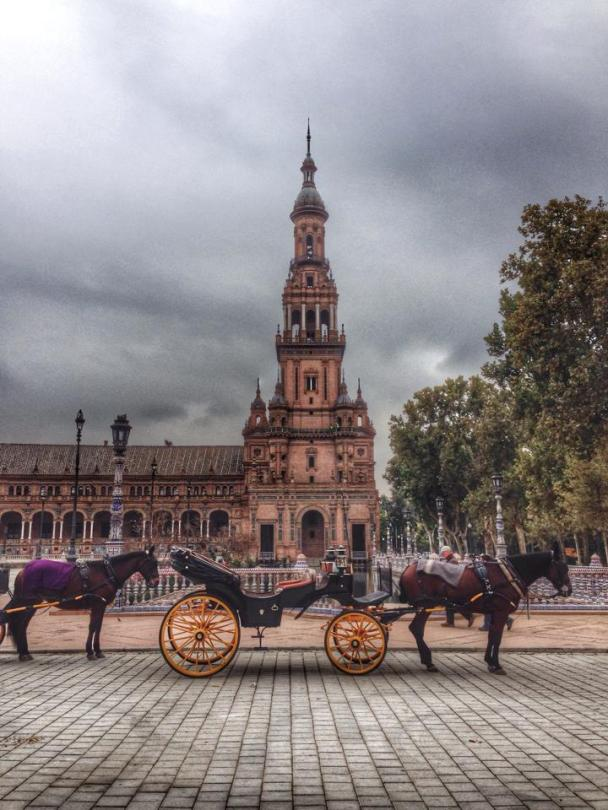 Carriages at Plaza de España